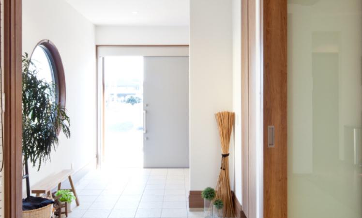 平屋は階段の昇り降りがなくて快適。フラットな空間が家族のつながりを感じさせるところも魅力。